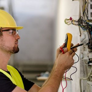 electrician-istock-487018428